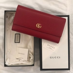 Classic Gucci Red Wallet